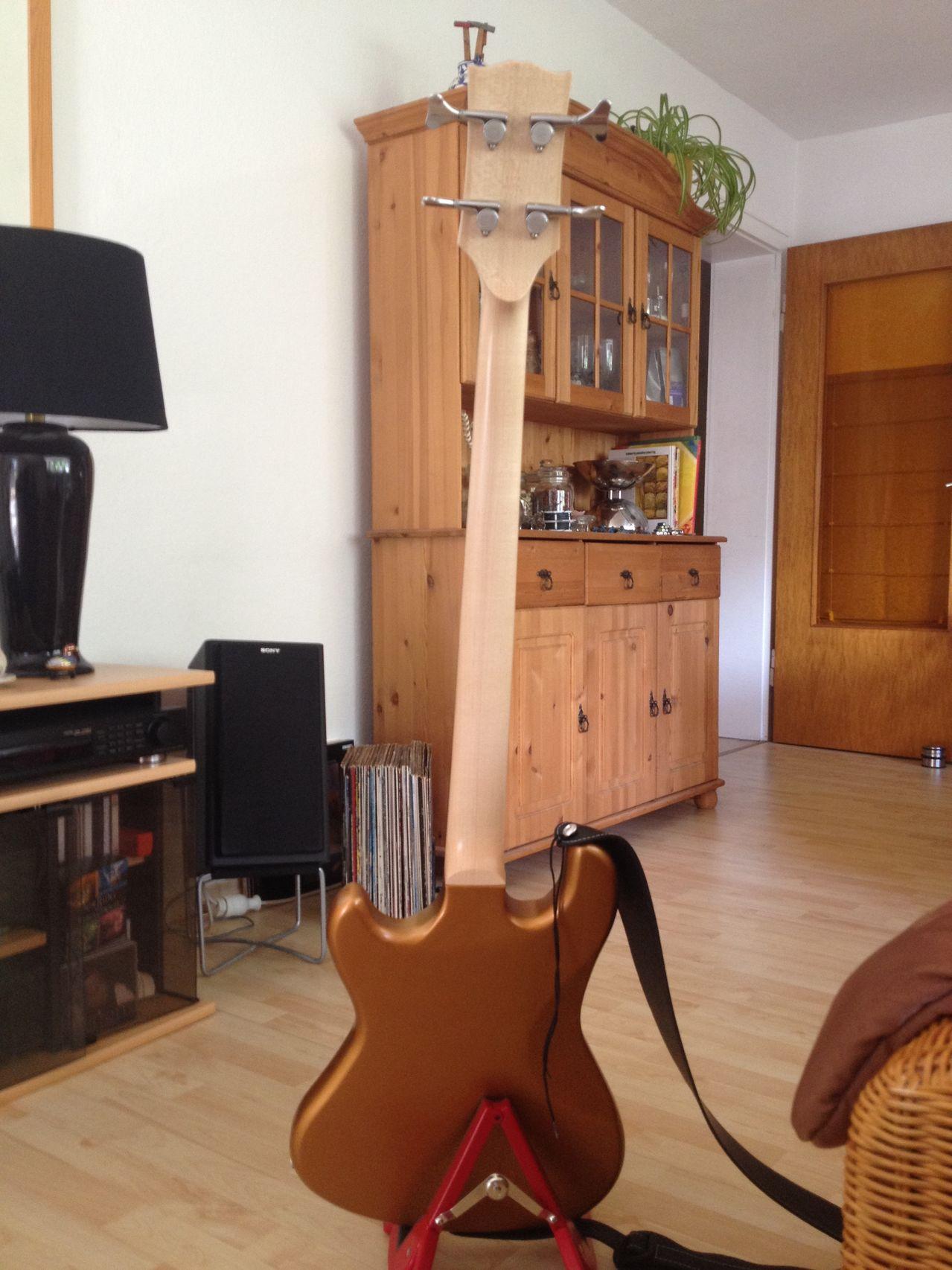Review Baixo Gibson Eb14 4 cordas Costas