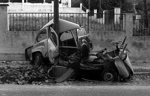 Accidentes de Época - Página 2 Seat_600_D_ACCIDENTE_POSTE