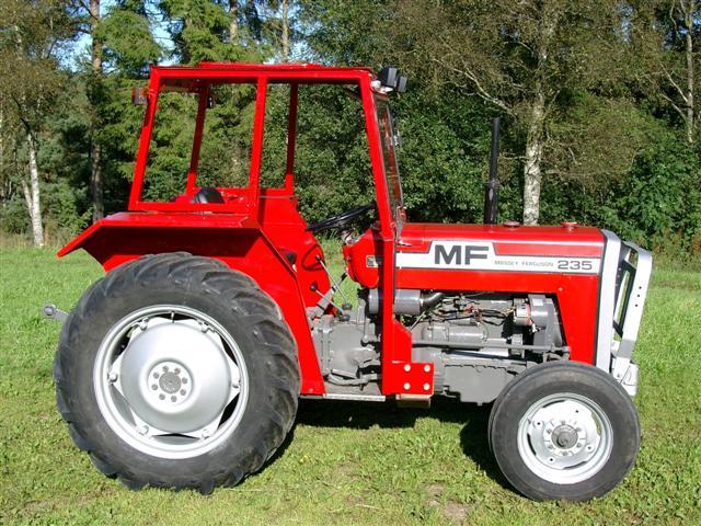 Hilo de tractores antiguos. - Página 39 MF235_Small