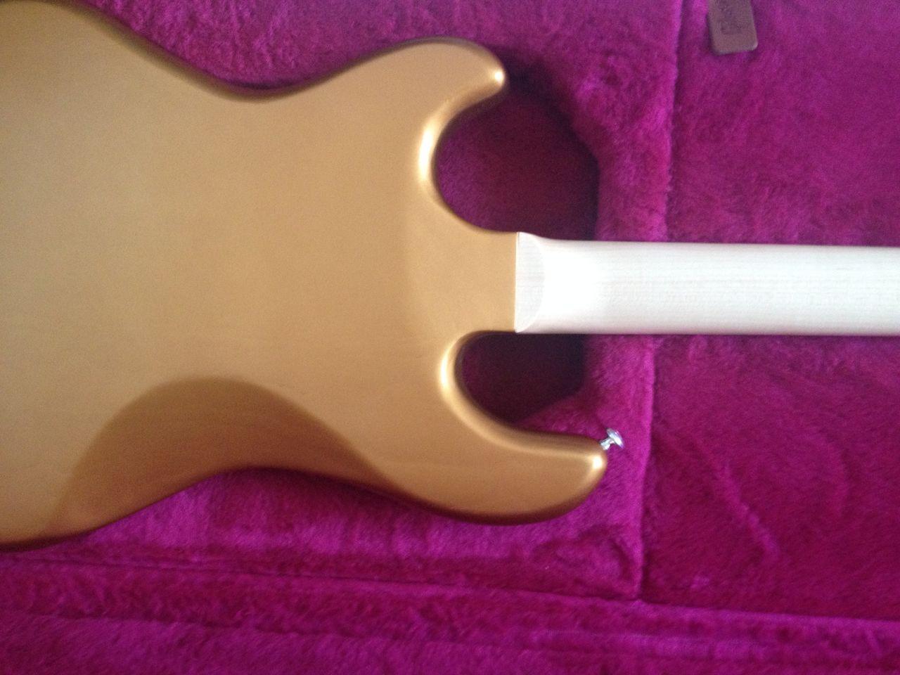 Review Baixo Gibson Eb14 4 cordas Braco_colado