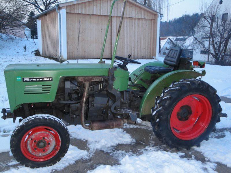 Hilo de tractores antiguos. - Página 37 FENDT_FARMER_200_V