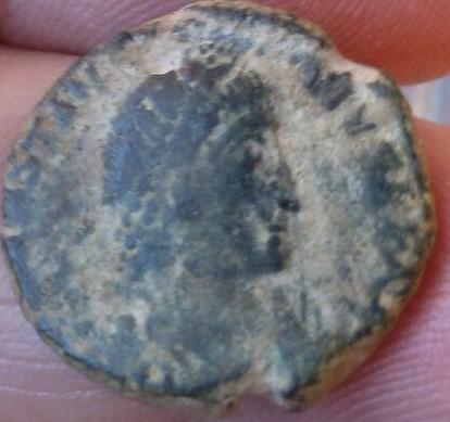 AE2 de Constancio II. FEL TEMP REPARATIO. Soldado romano alanceando a jinete caido.  744486e4_3f48_4e36_b4ec_f0fb3818beb7_2