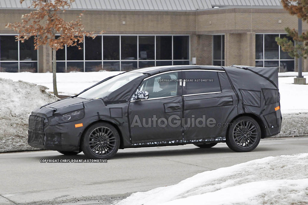 2014 - [Ford] S-Max II - Page 2 Ford_S_Max_Spy_Photo_08