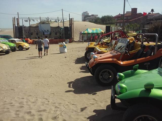 Pinamar 2016, encuentro en la costa 15542359_1327322007318974_5139172604442876442_n