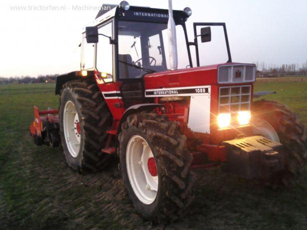 Hilo de tractores antiguos. - Página 3 1055_international