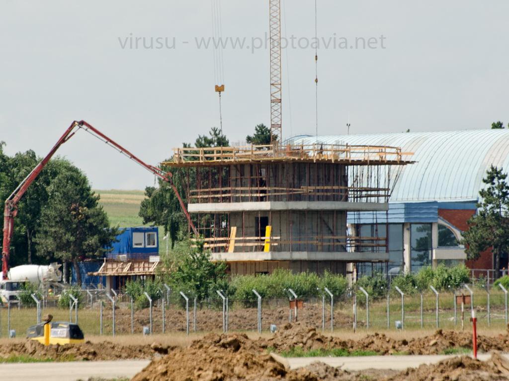 AEROPORTUL SUCEAVA (STEFAN CEL MARE) - Lucrari de modernizare - Pagina 2 DSC_0003