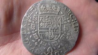 Patagón de Felipe IV, Amberes. 1633, dedicada al rey de los escudos SAM_1141