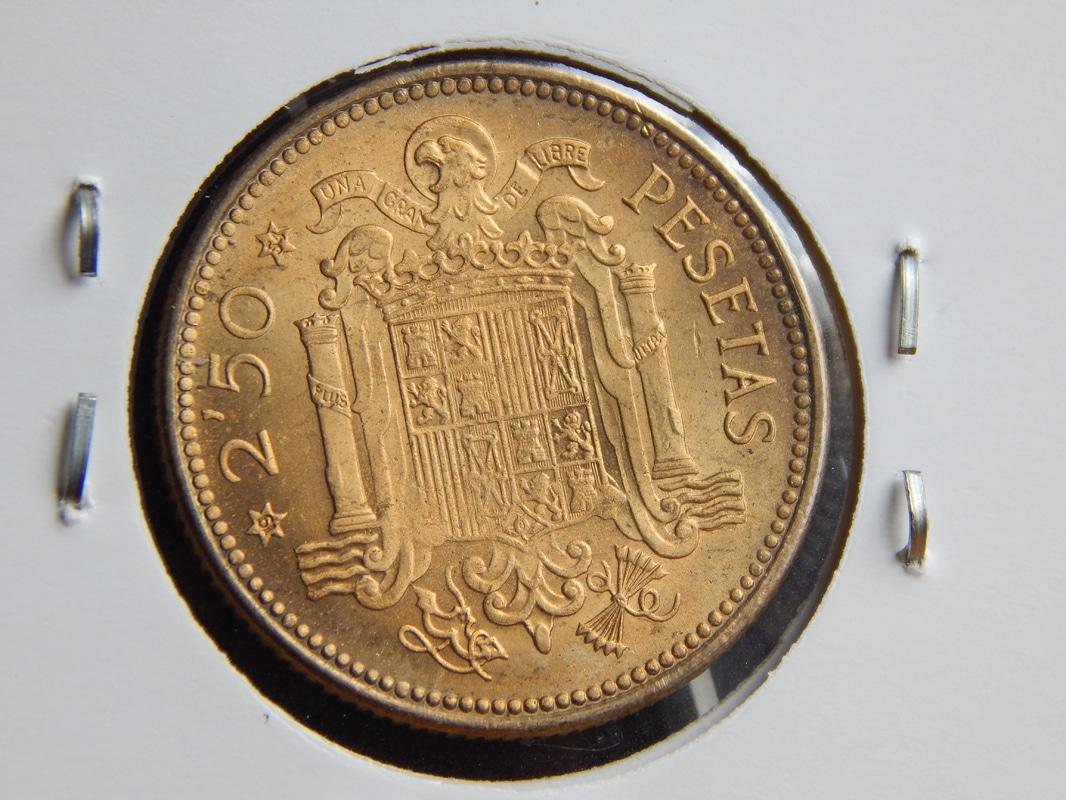 2,50 pesetas 1953 (*19-54). Estado Español DSCN2519