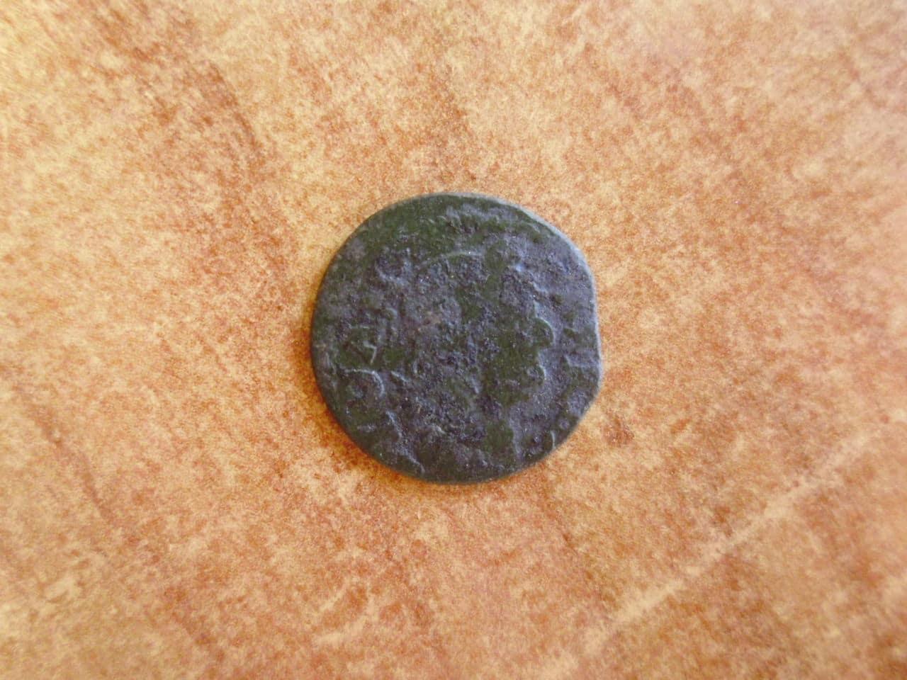 Moneda inglesa a identificar P1090792