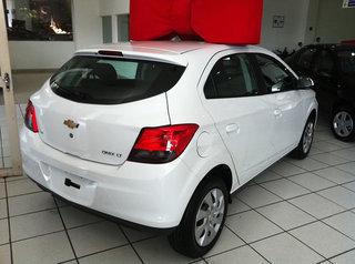 Fiat in Brasile - Pagina 40 Chevrolet_Onix_2015
