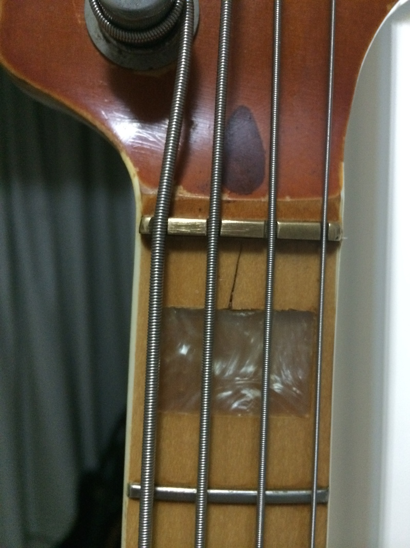 Rachadura Fender Jazz Bass Vintage IMG_4943