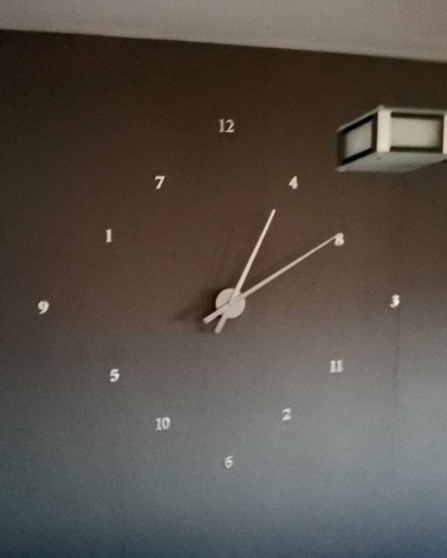Tiene alguna lógica este reloj? IMG_20161209_193121