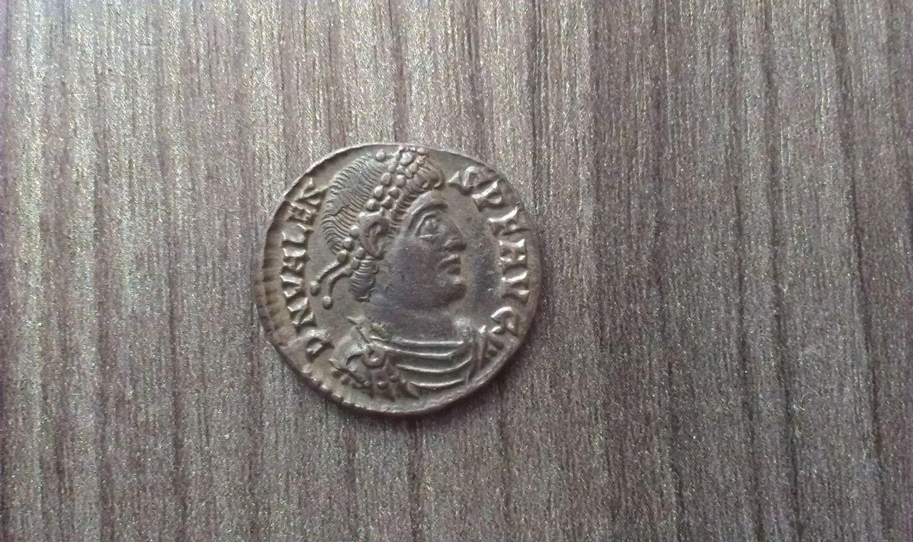 AE3 de Valente. GLORIA ROMANORUM. Siscia IMAG1824