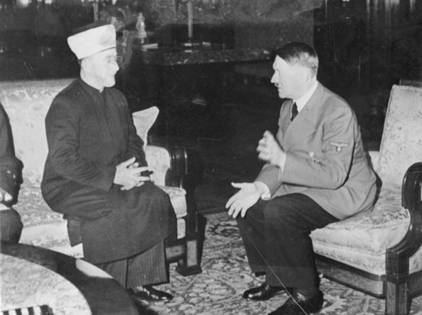 Hitler/al-Husseini :Truquée ou pas truqée B7bc2773ac8a416199c9377c539c3af5_043_U4303041050
