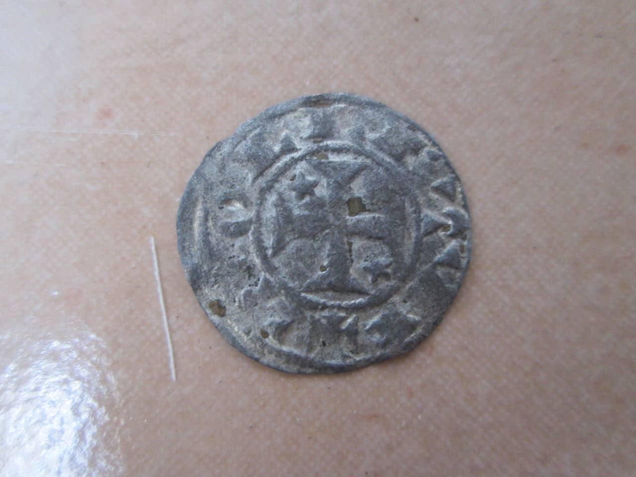 """Dinero """"bienpeinao"""" de Alfonso VIII (1158-1214) de Toledo   IMG_0744"""