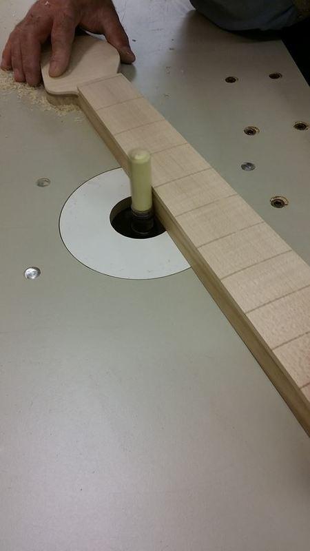Construção caseira (amadora)- Bass Single cut 5 strings - Página 4 12285841_10153787872109874_26038515_n