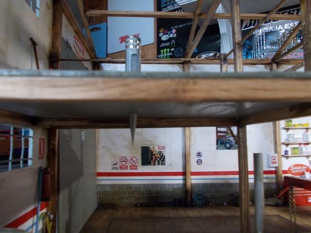 Diorama: garaje-taller crawler escala 1/10 - Página 2 DSCN0966