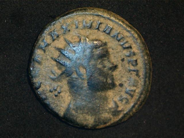 Fracción radiada post-reforma de Maximiano Hércules. VOT  / XX dentro de corona. Ceca Roma. 2016_12_16_0001_0_X