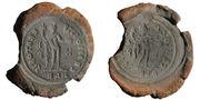عمليه تزوير العملات في التاريخ Part_of_a_mold_for_casting_coins