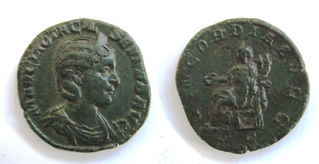 Sestercio de Otacilia Severa. CONCORDIA AVGG / S-C. Concordia sedente a izq. Ceca Roma. Sestercio_Otacilia_Severa_CONCORDIA_AVGG