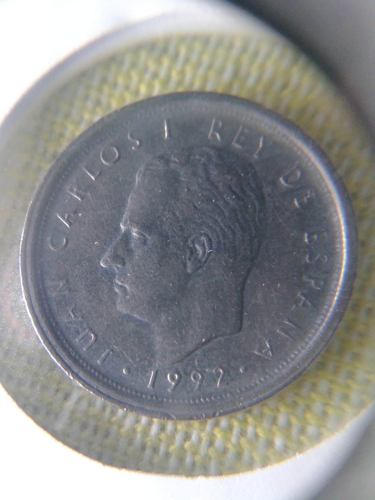 10 pesetas 1992 ¿es esto una variante? 10pts1992_simple_anverso