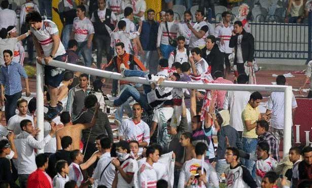 أحداث شغب تتسبب بإلغاء الدوري المصري لكرة القدم Large