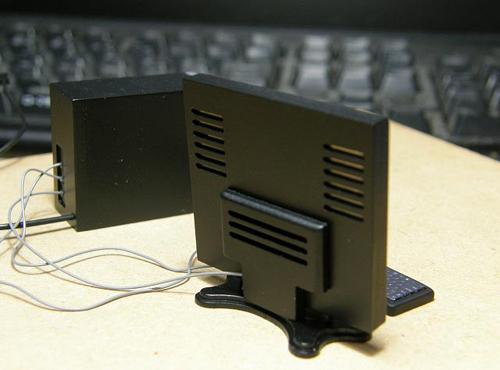 """كمبيوتر بحجم """"كف اليد"""" Original"""