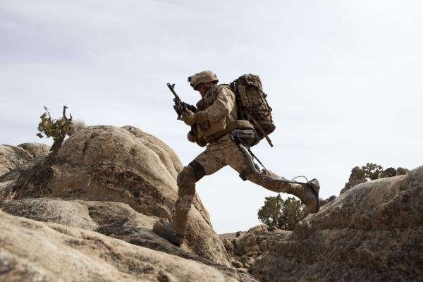 إختراع يحول الجندي الى بطل خارق Original
