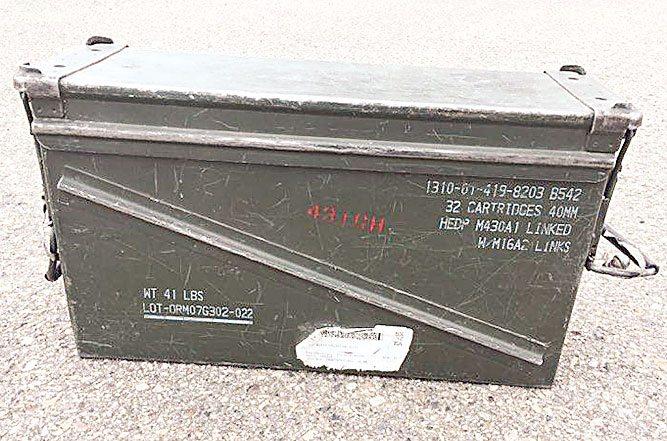 Cuando te levantas con el pie izquierdo (version verdeoliva):  Roban en Suecia dos vehículos blindados del Ejército 13-ammo