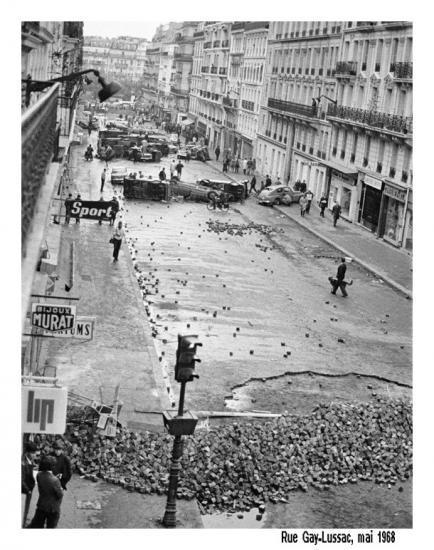 A Mantes-la-Jolie, des dizaines de jeunes agenouillés mains sur la tête - Page 6 1777_141