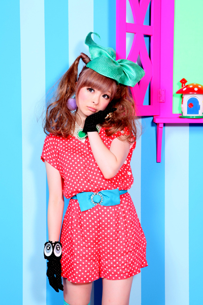 Guess the celeb (new) - Page 15 Cute-kawaii-kwaii-kyary-pamyu-pamyu-pop-Favim.com-312540