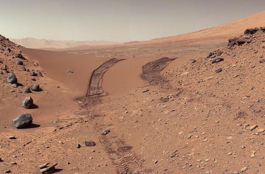 [Nasa] De l'eau coule encore sur Mars ! 5134545_nasa_545x460_autocrop