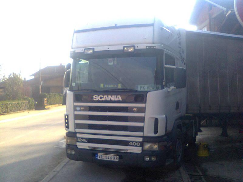 Scania serije 4 - Page 13 Photo0173