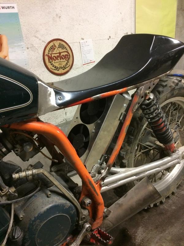 Mes pétoires KTM flat + Ducati café  IMG_2384
