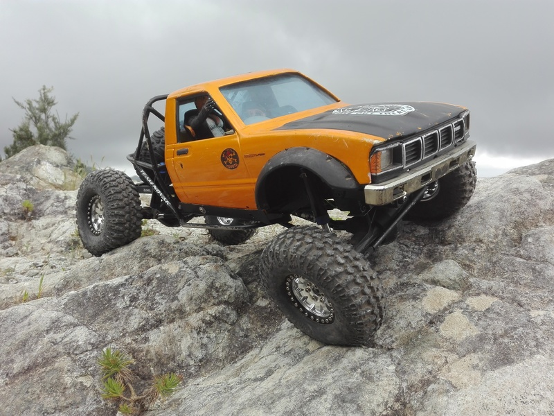 Hilux Truggy. By WillysMB 2016_04_16_16_55_23