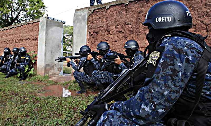 Fotos y videos de las FFAA de Honduras y equipos de los Bomberos Dt.common.streams.Stream_Server_2