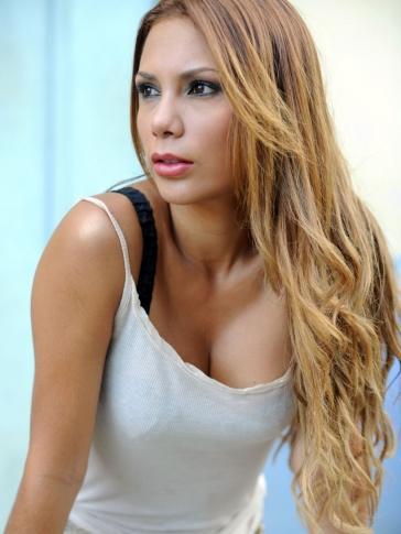 Adriana Fonseca Vs Angeline Moncayo Image