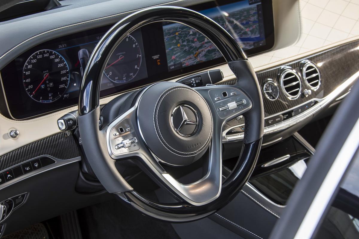 A Direção Autônoma pela Mercedes Mercedes-_S-_Class-13
