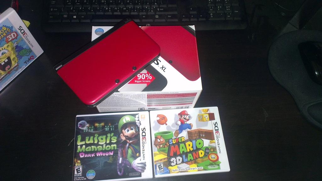 [تم البيع] 3DS XL مع افضل لعبتين بسعر مميز - السعودية,جدة 000