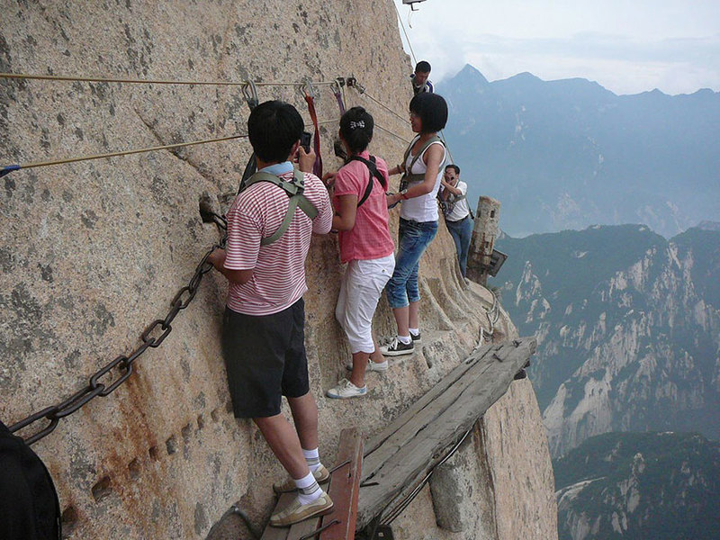 Fotografije koje su vas oduševile  - Page 7 Hiking_trail_huashan_mountain_china_9