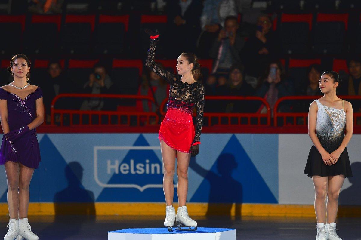 Алина Ильназовна Загитова-2   Олимпийская чемпионка - Страница 2 ILFKQ