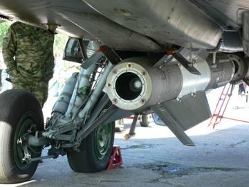 Р-33 - управляемая ракета большой дальности NgxAy