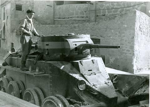 БТ-5 - лёгкий колесно-гусеничный танк WecxU