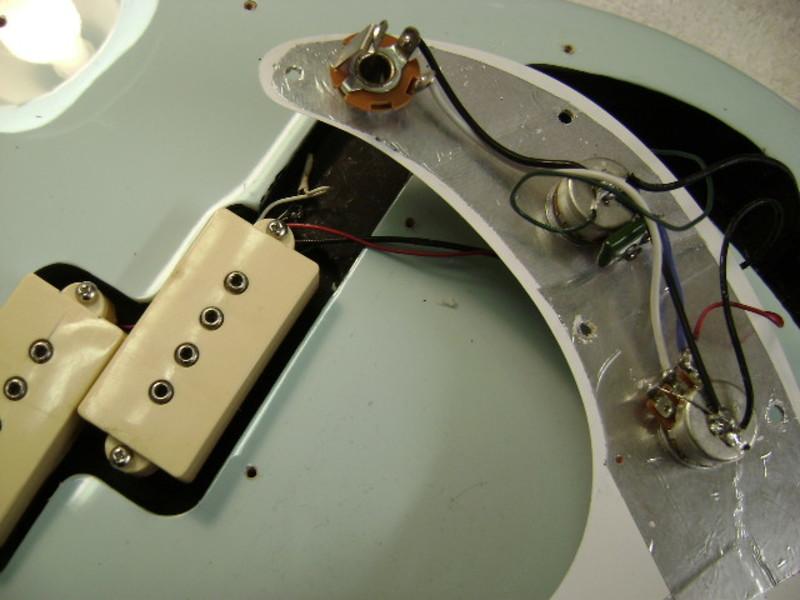 Circuito para baixo Precision Bass Pbass1