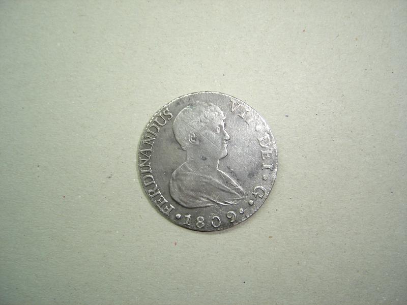 8 reales de Fernando VII de 1809 Sevilla DSC00012