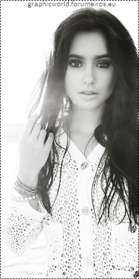 Lily Collins T84m