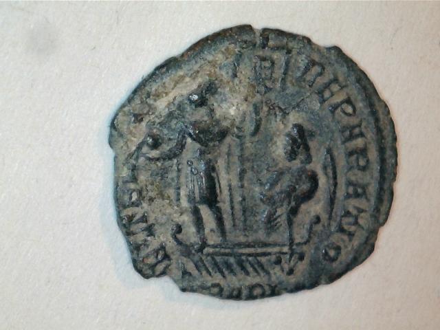 AE3 de Constancio II. FEL TEMP – REPARATIO. Ceca Arlés. Image
