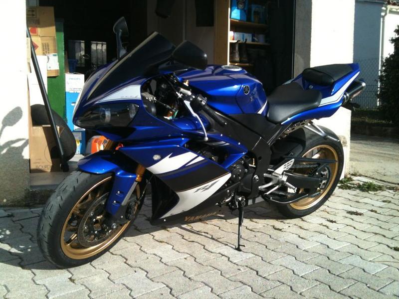 Yamaha R1 2008 522638_10151473848992661_1795788151_n