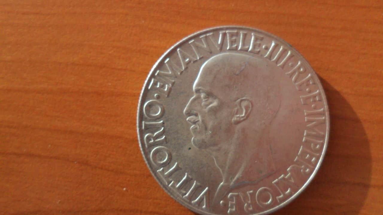AYUDA !!! 20 lira 1936 Italia Picture_001