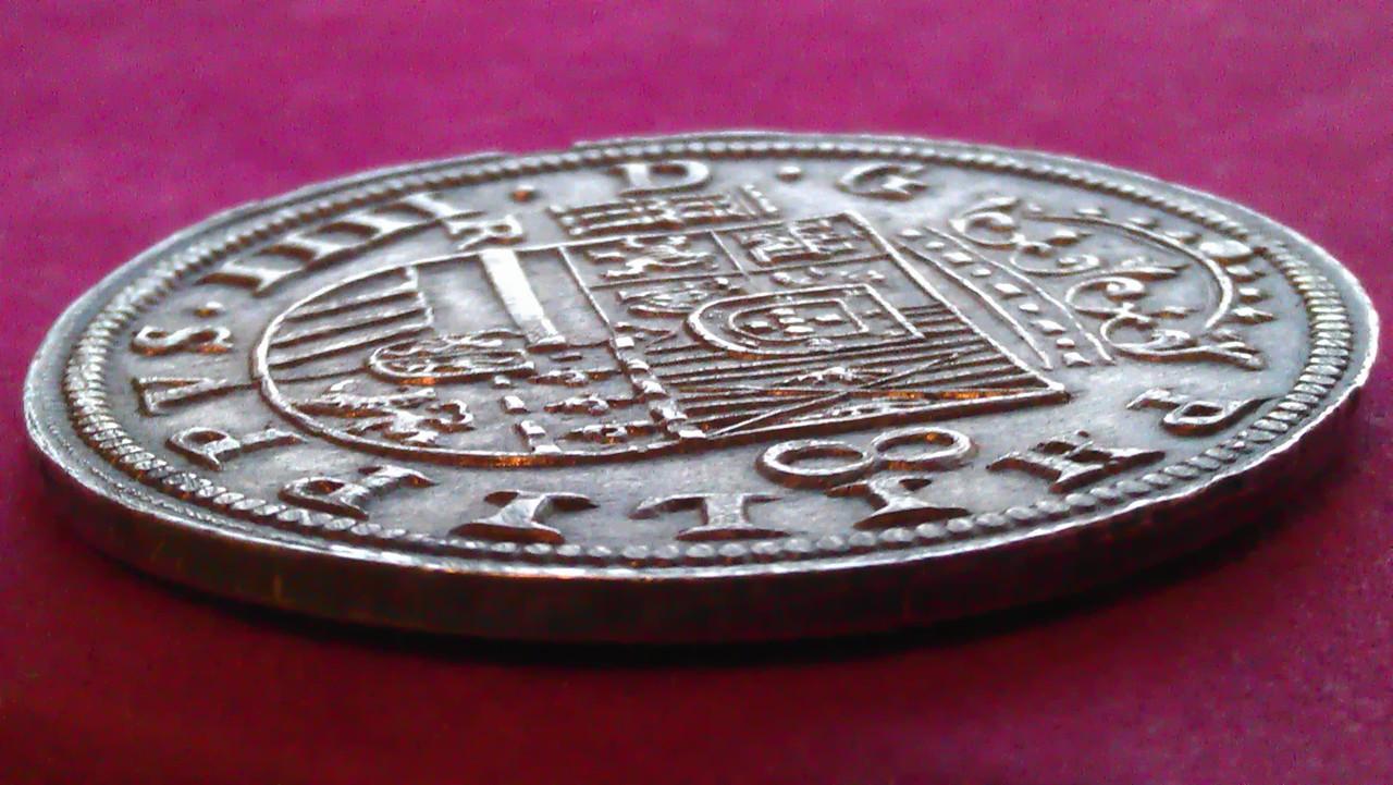 8 reales 1633. Felipe IV. Real Ingenio de Segovia. IMAG1238